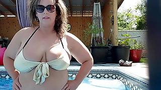 BBW Wife in Bikini