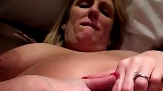 Fisting amateur squirting wife