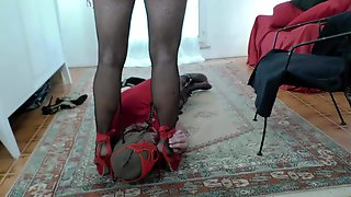 Mistress Katryn torments Slave O (3)