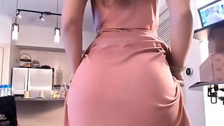 Hot Wife With Stunning Tits And Ass