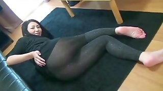Japanese girl farts in a guys face in leggings