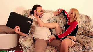 A Bad Girl Integral Version  - Footjob and Foot Worhsip