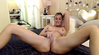 Hot MILF playing with pussy