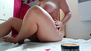 French MILF Masturbates with Candles on Vends-ta-culotte