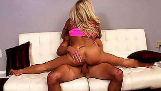 Busty muscle milf rough flexi fucked
