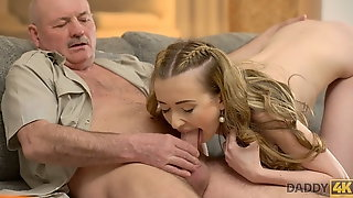 DADDY4K. Daddy still remembers Russian and how a young pussy
