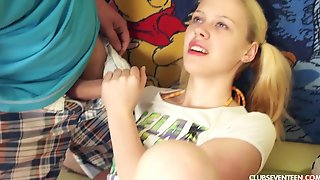 Inexperienced teen gets her ass drilled for the first time