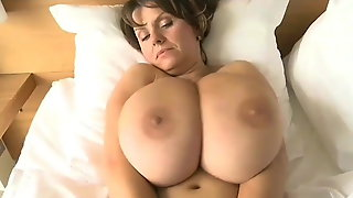 ASMR binaural sound for sleep 1 hour soft boobs