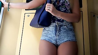 Candid Bubble Ass Great Legs in Tight Tiny Shorts
