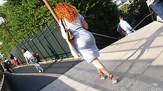 Candid bombshell with hot ass in wedges heels