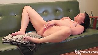 Lusty Yanks Babe Lexus Cums and Cums