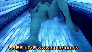 Solarium Cam Voyeur Blonde Horny Milf www.solarium.tv