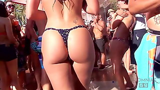 Bikini ass in pool party