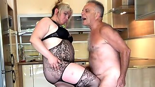 Angry BBW Ballbusting Poor Old Gunther!