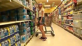 She masturbates in supermarket