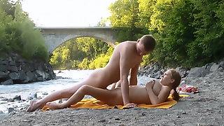 Wunderbar ficken am Fluss