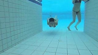 Laura girlfriend girl Berlin 18-19 year fuck in the pool