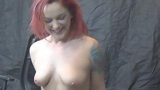 Sexy redhead Jade rides sybian