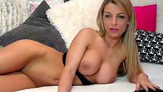 Extremely Beautiful Model With Pink Pussy