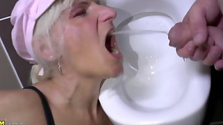 Perverted moms piss and take cocks in toilet