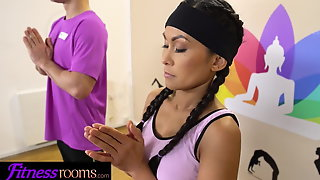 Fitness Rooms Tiny Asian cutie Suzie Q blows perv yoga