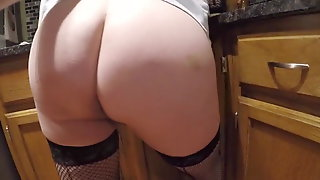 My 67yo Granny Make A Coffe And I Show Her Ass To You