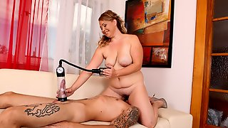 BBW Learns How to Use a Cock Pump