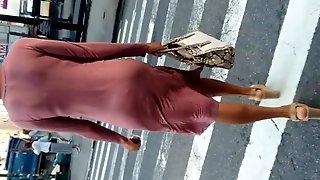 Wiggle Butt Tall Slim Black Woman In Pink