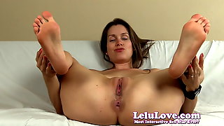 Spreading my pussy and asshole with lots of feet and soles J