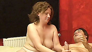 Naughty and chubby amateur housewife homemade fuck action