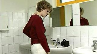 Schoolgirls pissing