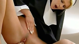 Sinful nun Sandra