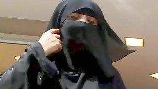 Burka Frauen begrabscht